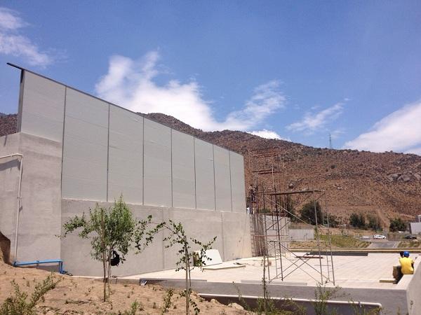 3) Construcción de barrera Acústica