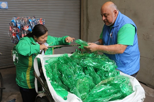 Recicladores y recicladoras de base, el rostro del reciclaje